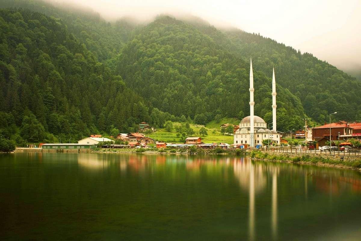 World___Turkey_Mosque_near_the_lake_in_Turkey__Trabzon_101910_